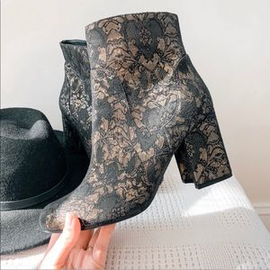 MARC FISHER | Embroidered Jana Booties Sz 9.5
